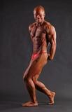 Culturista masculino muscular Imagen de archivo libre de regalías