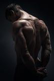Culturista muscolare bello Fotografia Stock Libera da Diritti