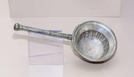 Cultuswerktuigen Gietlepel-zeef de 1st eeuwadvertentie, Zilver Royalty-vrije Stock Afbeelding