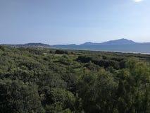 Cuma - Panorama von der archäologischen Fundstätte lizenzfreie stockfotografie