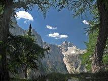 Cumbre de Jalovec en las montan@as julianas fotos de archivo