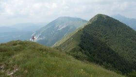 Cumbre de la montaña de Muzec en Julian Alps en Eslovenia Foto de archivo