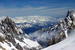 Cumbres en el Valle d 'Aosta fotografía de archivo