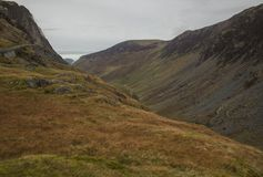 Cumbria, Engeland, het UK - weiden, heuvels en bewolkte hemel royalty-vrije stock foto's
