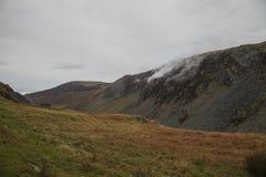 Cumbria, Engeland - heuvels in wolken en weiden, de herfst van 2018 royalty-vrije stock afbeeldingen