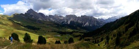Cume e montanhas idílico bonitos nas dolomites Fotografia de Stock
