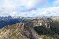 Cumes de Allgäu do panorama da montanha fotos de stock