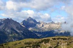 Cumes de Allgäu - montanha Hochvogel fotografia de stock royalty free