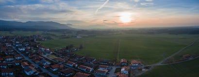 Cumes Panorma aéreo Baviera de Waakirchen foto de stock