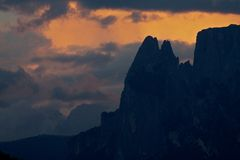 Cumes, por do sol Tirol sul Imagens de Stock