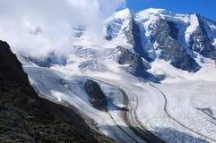 Cumes suíços: Os picos da cordilheira de Bernina no Engadin superior no ¼ de Graubà do cantão nden imagem de stock royalty free