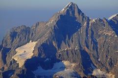 Cumes suíços: Parapente em Schilthorn que vê picos de Eiger, de Mönch e de Jungfrau acima de Grindelwald no Bernese Oberland imagens de stock royalty free