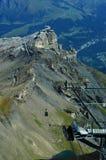 Cumes suíços: Parapente perto de Grindelwald em Schilthorn no Bernese Oberland imagens de stock
