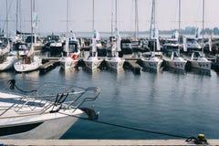 Cumować żaglówki przy sławnym Sopotu molem i jachty Obrazy Royalty Free