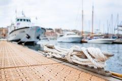 Cumować i łodzie w schronieniu Obraz Royalty Free