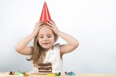Cumpleaños del niño Torta tarjetas de cumpleaños del día de fiesta foto de archivo