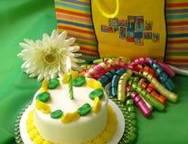 Cumpleaños verde y amarillo Imagen de archivo libre de regalías