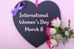 Cumprimento do quadro de mensagens do dia das mulheres internacionais Imagem de Stock Royalty Free
