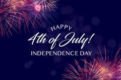 Cumprimento feliz do 4 de julho com fundo azul com bokeh Foto de Stock Royalty Free