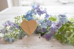 Cumprimentos da flor para o dia de mães Foto de Stock