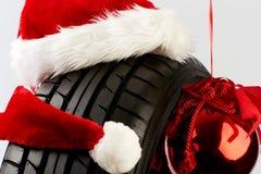 Cumprimentos do Natal para o comércio do pneu Fotos de Stock Royalty Free
