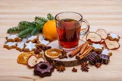 Cumprimentos do ` s do ano novo Decorações do Natal imagem de stock