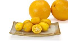 Cumquat lub kumquat na biały tle Obraz Stock