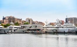 Cumujący jachty przy portem morskim Barcelona miasteczko, Catalonia, Hiszpania Zdjęcia Royalty Free