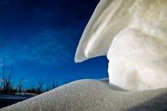 Cumuli di neve al tramonto fotografie stock
