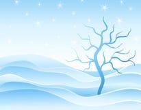 Cumuli di neve ed albero di inverno in azzurro royalty illustrazione gratis