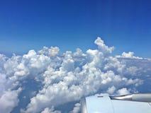 Cumulonimbus σύννεφα που βλέπουν από τον αέρα στοκ εικόνα
