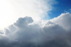 Cumulus chmury i niebieskie niebo Obraz Stock