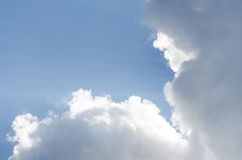 Cumulus chmury w niebie Zdjęcie Royalty Free