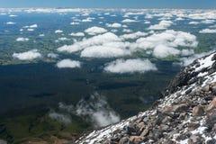 Cumulus chmury zbiera wokoło góry Taranaki Obraz Royalty Free
