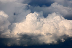 Cumulus clouds illuminated by the sun Royalty Free Stock Images