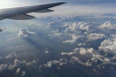 Cumulus d'avion photographie stock