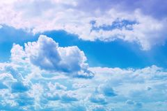 Cumulus vifs merveilleux pour l'usage dans la conception comme fond photographie stock