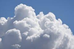 Cumulusu wydźwignięcie zdjęcia stock