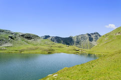 Cuneaz (das Aostatal - Nord-Italien) See Perrin Stockfoto