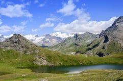 Cuneaz (das Aostatal - Nord-Italien) See Perrin Stockfotos