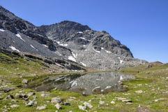 Cuneaz (das Aostatal) See Pinter im Sommer Stockbild