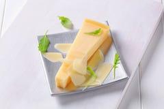 Cuneo di formaggio duro Fotografie Stock Libere da Diritti