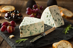 Cuneo organico del formaggio blu Fotografia Stock