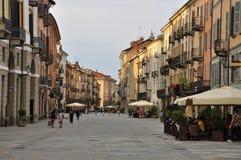 Cuneo, Piemonte, Włochy Evening przespacerowanie dalej przez Roma zdjęcia royalty free