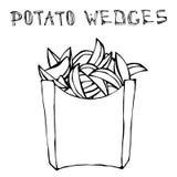 Cunhas da batata na caixa de papel Fried Potato Fast Food em um pacote Mão realística esboço tirado do estilo da garatuja Vetor Fotografia de Stock