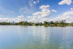 Cunningham Lake på en solig dag, San Jose, södra San Francisco Bay område, Kalifornien fotografering för bildbyråer