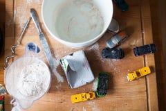 Cuocere - muffin a bordo e rotolo Fotografia Stock Libera da Diritti