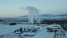 Cuocia a vapore l'aumento dalla cottura delle barbabietole da zucchero nell'inverno ghiacciato fotografia stock