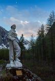 CUOCO NUOVA ZELANDA del SUPPORTO - CIRCA febbraio 2005 Statua commemorativa di Edmund Hillary della Nuova Zelanda, che nel maggio fotografie stock libere da diritti