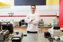 Cuoco unico al fast food fotografia stock